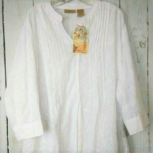 Art and Soul White Top Blouse Size 3x Pleated NWT